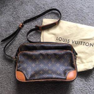 Authentic Louis Vuitton Nile MM crossbody